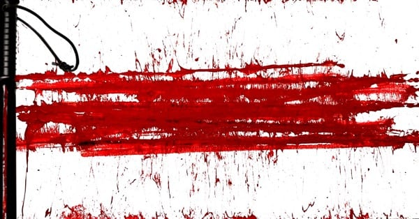 Бело-красно-белый флаг кровью