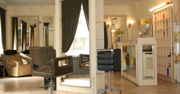 Купить салон красоты в Петербурге