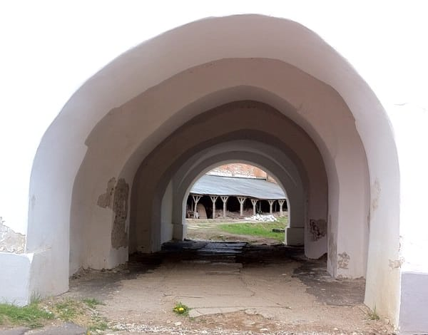 Novgorod arc